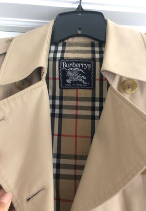 Burberry Women's Trench for Sale in Naperville, IL