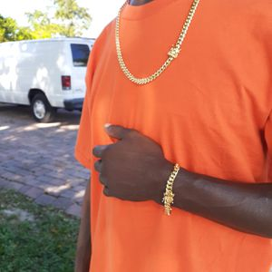 14k gold-plated Cuban link chain and bracelet set for Sale in Hollywood, FL