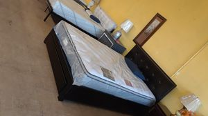 QUEEN EURO PILLOW TOP FIRM MATTRESS for Sale in San Bernardino, CA