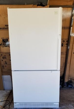 Beautiful Whirlpool refrigerator with bottom freezer 🚨 for Sale in Lakeside, CA