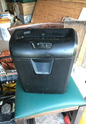 Staples shredder for Sale in Port St. Lucie, FL