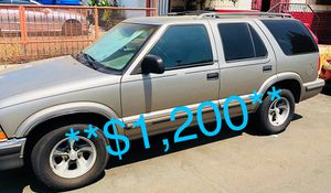 1200 cash 98 Chevy blazer 6lit 4.3 for Sale in Los Angeles, CA