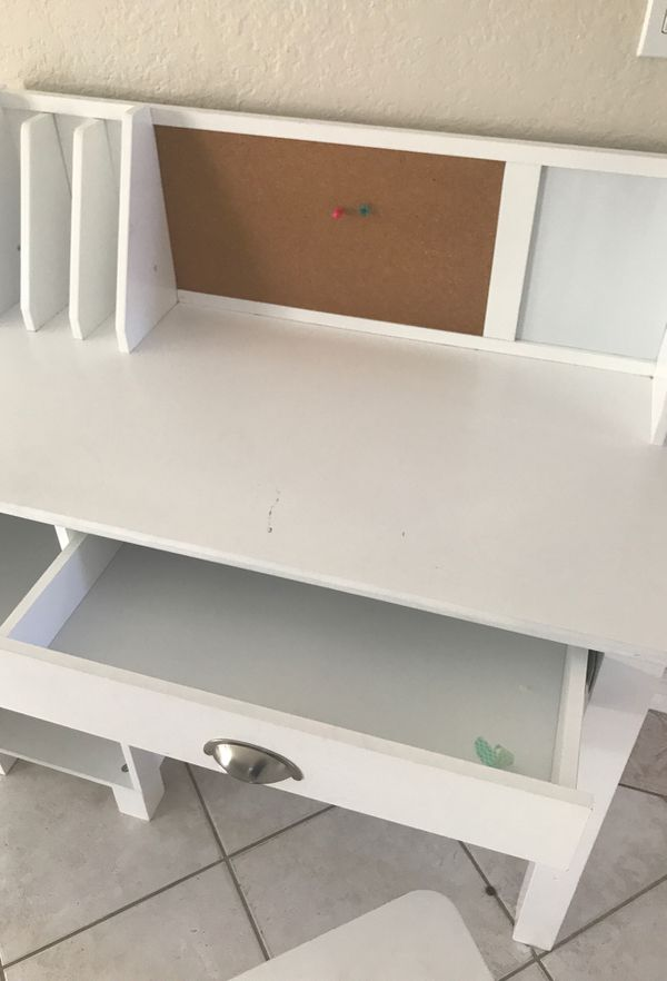 Kid kraft desk and chair
