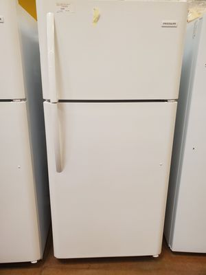 Frigidaire Top Freezer Refrigerator for Sale in Glendale, CA