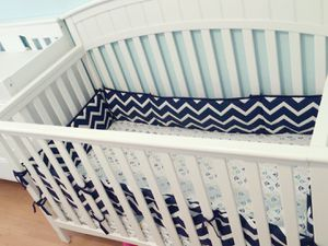 Baby crib and dresser for Sale in North Las Vegas, NV