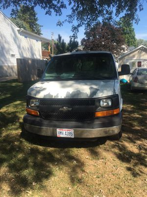 2006 Chevy 1500 express van runs and drives great cold ac and has new tires for Sale in Creston, OH