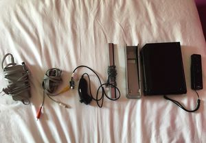 Nintendo wii set with extra control for Sale in Miami, FL