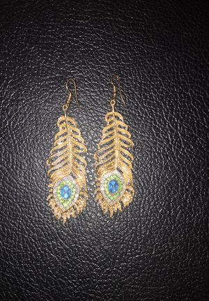 Beautiful gold and gem studded earrings for Sale in Chicago, IL
