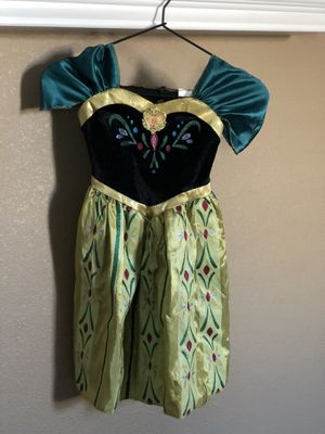 Disney dress up (Anna-Elsa-Ariel-Moana) outfits plus Doc McStuffins for Sale in Menifee, CA