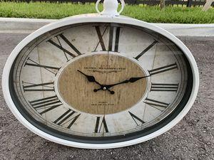 Antique White Clock for Sale in Palm Beach Gardens, FL