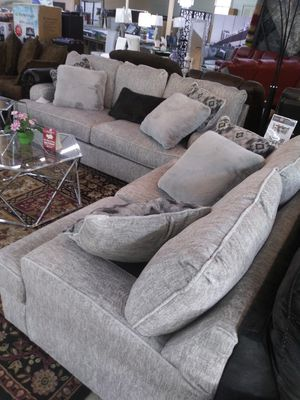 Wide set sofa love seat for Sale in Cleveland, OH