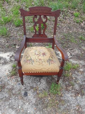 Old Wooden Antique Chair for Sale in UPR MARLBORO, MD