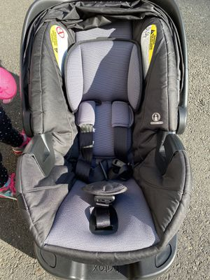 Britax B Safe Infant Car Seat and Base for Sale in Shelton, CT