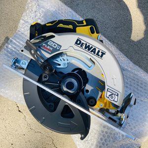 """New DeWalt FLEXVOLT ADVANTAGE 7-1/4"""" Circular Saw (Tool Only) for Sale in Modesto, CA"""