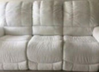 Lazy Boy Electric RECLINING Sofa for Sale in Aurora,  CO