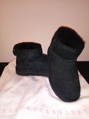 Girl's UGGs for Sale in Chicago, IL