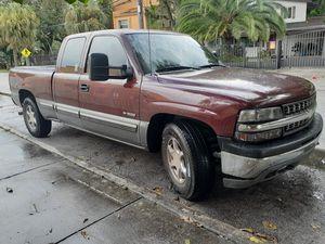 2001 Chevy Silverado for Sale in Miami, FL