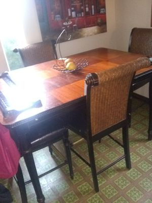 Very sturdy kitchen table for Sale in Vancouver, WA
