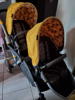 Double baby stroller made by options LT for Sale in West Palm Beach, FL