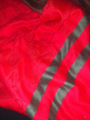 Gucci Scarfs/Clothe for Sale in Chatsworth, CA