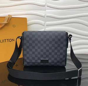 Louis Vuitton computer bag for Sale in Parkville, MD