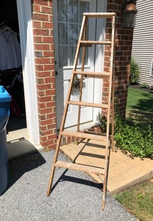 6 foot step ladder for Sale in Mountville, PA