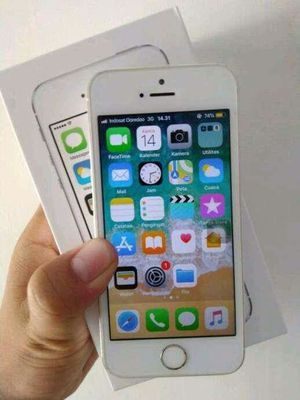 Iphone 5S, Factory Unlocked..( Almost New Condition) for Sale in Springfield, VA