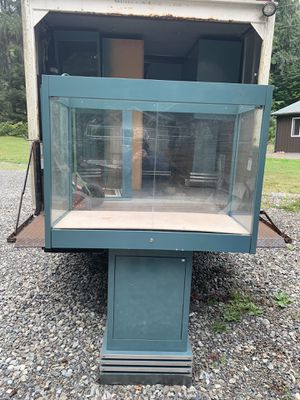 Pedestal Display Cases **FREE** for Sale in Snohomish, WA
