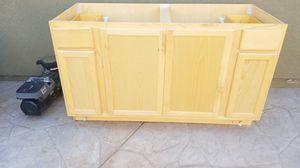 60 X 34.5 X 24 cabinet for Sale in Corona, CA