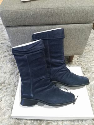 new boots size 8W for Sale in Arlington Heights, IL