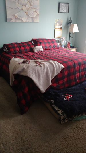 Cali King Bed w/ Frame for Sale in Vernon Hills, IL