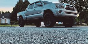 Beautiful 2009 Toyota Tacoma 4WDWheels for Sale in Naperville, IL