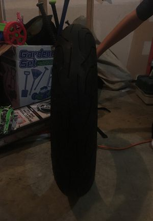 Michelin pilot power - Motorcycle tire from a 2003 Kawasaki zx6r for Sale in BETHEL, WA