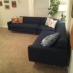 Gorgeous New Mid-Century Modern 3 Piece Sectional Couch for Sale in Longmont,  CO