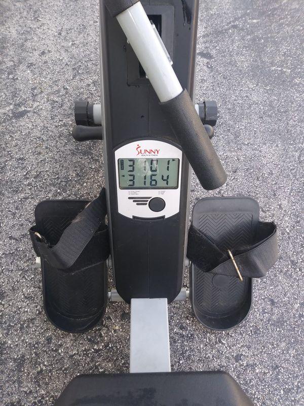 Sunny fitness rower machine