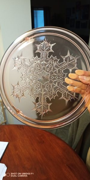 Antique Pink Depression Snowflake Cake Footed Platter Plate for Sale in Rialto, CA