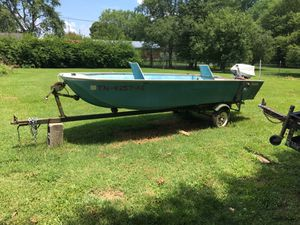 14 ft Beaver Craft. Great condition. 35 Evinrude outboard. for Sale in Smithville, TN
