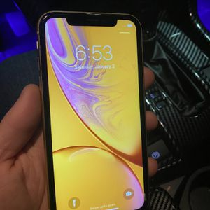 iPhone XR 128GB Ready For Activation Att Cricket Tmobile Metro Verizon for Sale in Fresno, CA