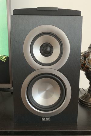 Elac Uni-Fi UB5 bookshelf speakers *mint condition* pair for Sale in Seattle, WA