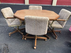 Table Set with four chairs for Sale in Hudson, FL