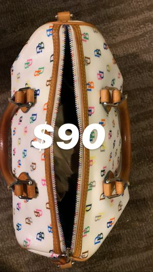 Dooney and bourke for Sale in Laredo, TX