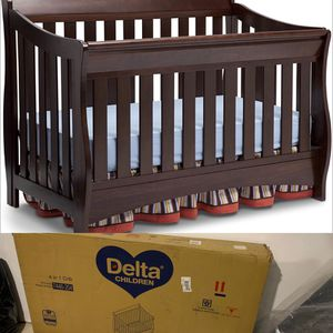 Delta 4 in 1 Convertible Crib for Sale in Avon, OH