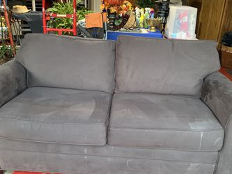 Cindy Crawford Loveseat Sleeper for Sale in Grapevine,  TX