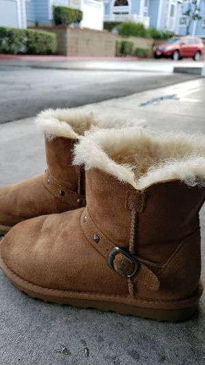 Warm winter boots little girl size 12 for Sale in Norwalk, CA