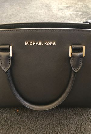 Michael Kors authentic purse and matching wallet for Sale in Monterey Park, CA