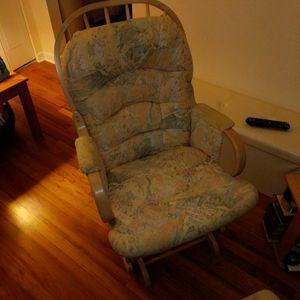 Rocking Chair for Sale in Ridgefield, NJ
