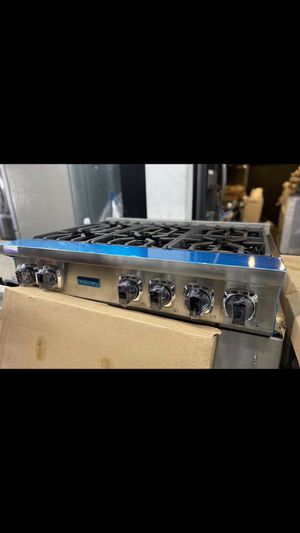 "2020 Viking stainless steel 36"" wide gas 6 burner cooktop for Sale in Irvine, CA"