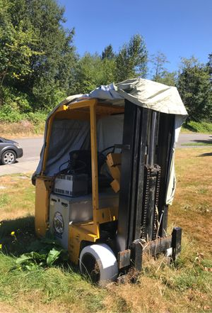Clark forklift for Sale in Tacoma, WA