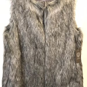 New With Tags Vince Camino Fur Vest In Size Small for Sale in Redmond, WA