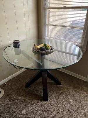 Glass top dining room table for Sale in Abilene, TX